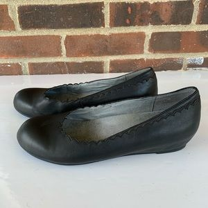 Abella leather flats